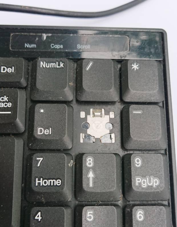破損したキーボード