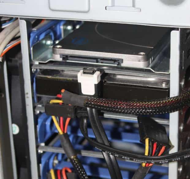 ディスクドライブの接続
