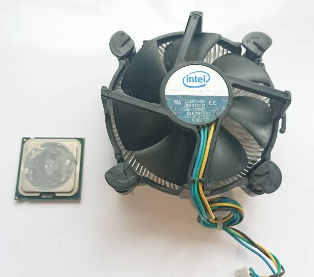 Intel製のCPU