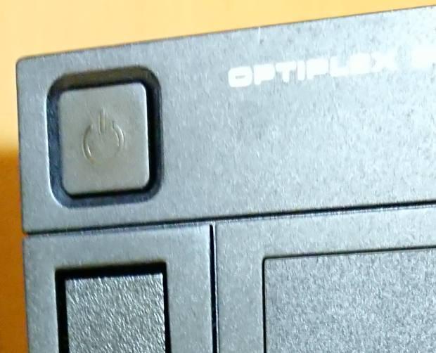 パソコンの電源ボタン