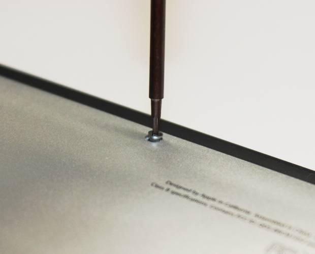 MacBookAirの内部の回路