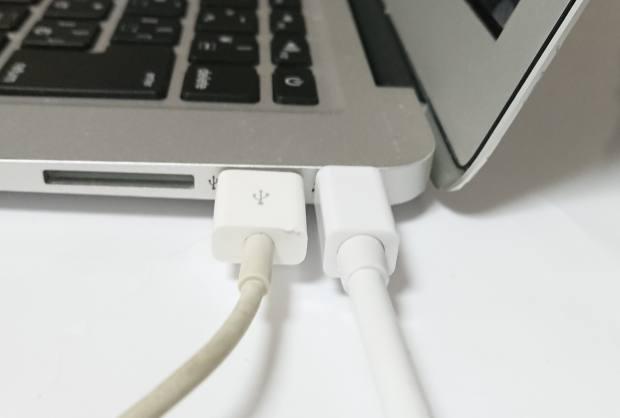 Macパソコン対応のディスプレイケーブル