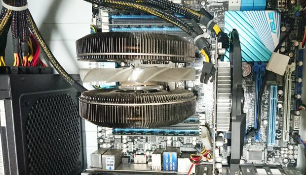 パソコンの内部のパーツ