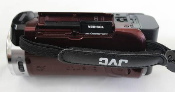 ビデオカメラのSDカード