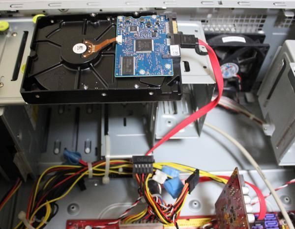 HDDの接続