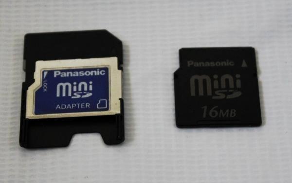 MiniSDメモリーカード