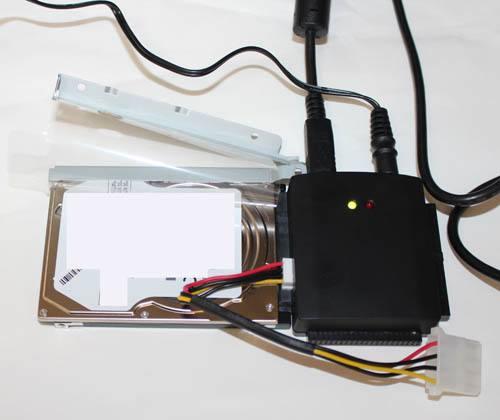 SATA方式のハードディスク