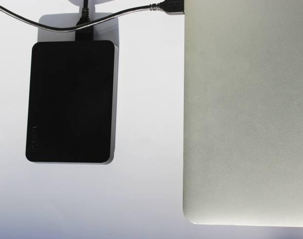 MacパソコンへのHDDの接続