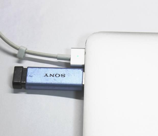 _USBメモリー