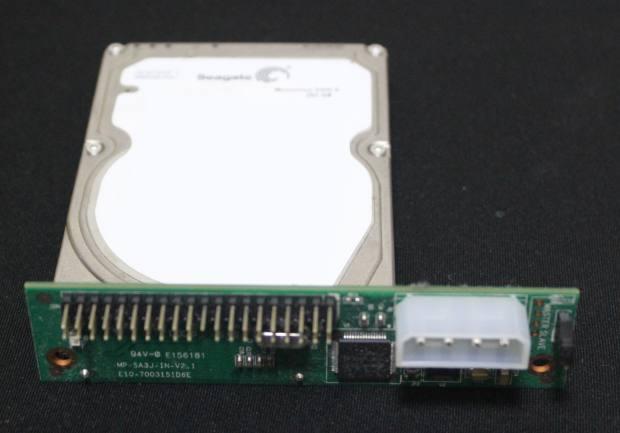HDDの変換アダプタ―